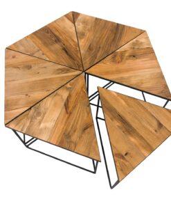 Kallste, z pewnością zainteresuje klientów, poszukujących wyjątkowo efektownie prezentujących się mebli. Drewno, z tego stolika pochodzi z chat kresowych.