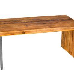 Stolik kawowy Askve wykonany ze starego drewna sosnowego i podstawy, która łączy w sobie stalowe elementy. Sprawdź naszą ofertę stolików.