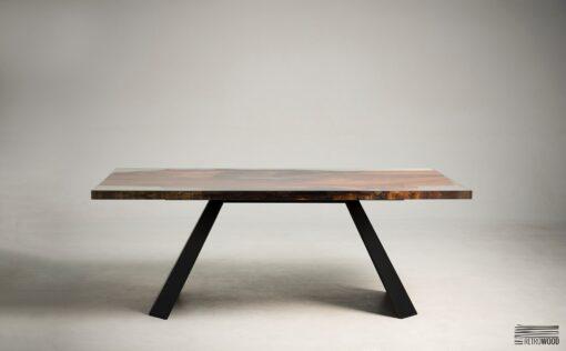 Poszukując oryginalnie wyglądającego mebla, warto jest zwrócić uwagę na stół Resdeno, który znajduje się w naszej kolekcji.