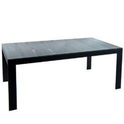 Oferowany przez nas stół, to piękno i prostota w jednym. Z pozoru jest to klasyczny, obszerny stół drewniany do jadalni lub sali konferencyjnej.