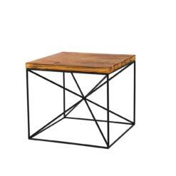 Stolik kawowy wykonany ze starego drewna i stali. Naturalny blat nie tylko ociepli wnętrze ale teżbędzie ciekawym elementem, który zwróci uwagę.